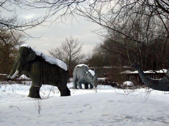 haunting_photos_of_an_abandoned_german_amusement_park