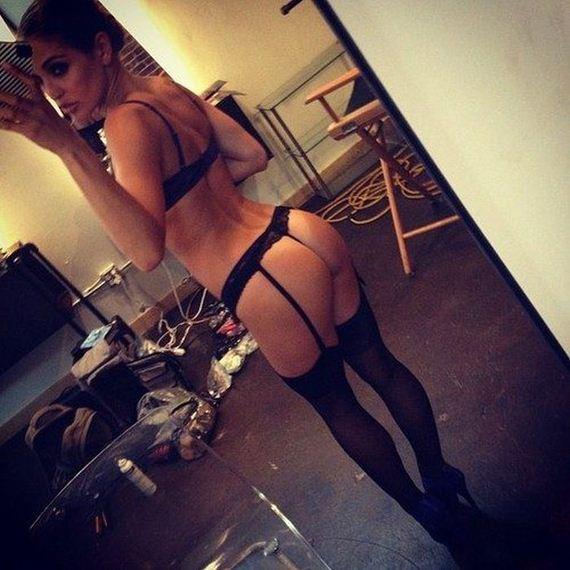 hot-girls-in-lingerie-2