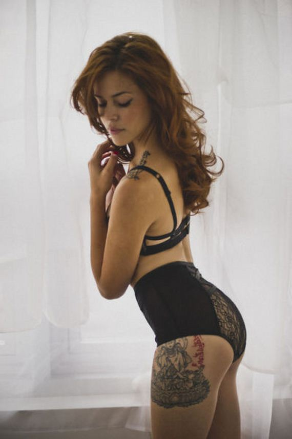 hot-girls-with-tattoos