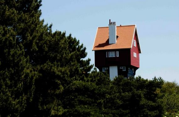 house-in-the-clouds-thorpeness-uk
