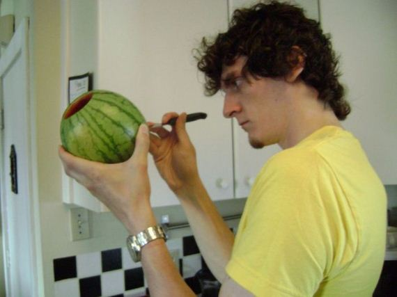 how_to_make_a_watermelon_keg