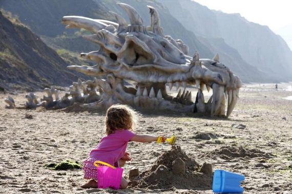 huge_dragon_head