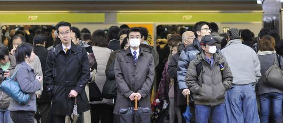 insane_photos_of_tokyo_commuters