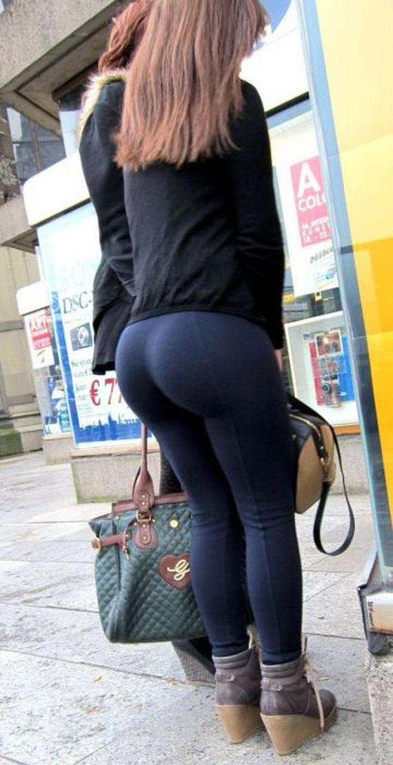 its_hard_not_to_stare_when_you_see_these_in_public_place