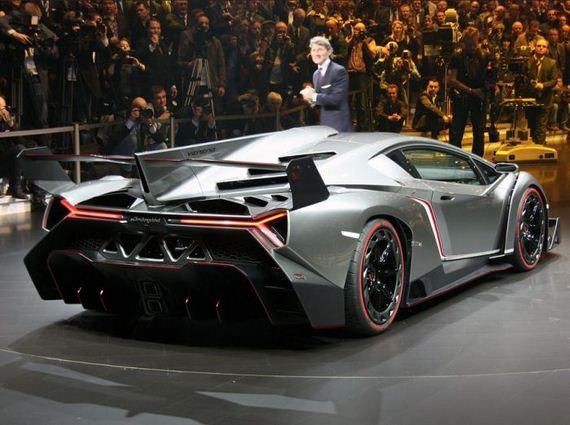 New Lamborghini Veneno Barnorama