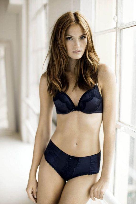 Petra mede bikini