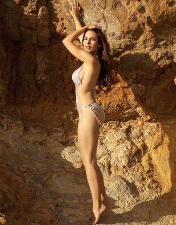 Nadine Velazquez Is Sexy On The Beach Barnorama