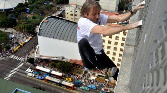 real_people_who_are_really_superhumans_in_disguis