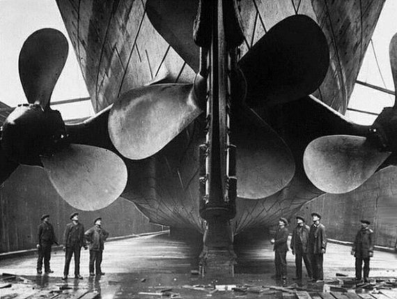 remarkable_photos_of_famous_things_being_built