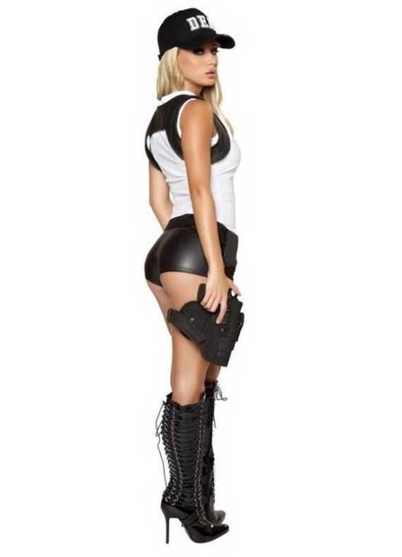sara-jean-underwood-halloween-costumes