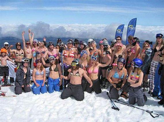 sexy-ski-girls