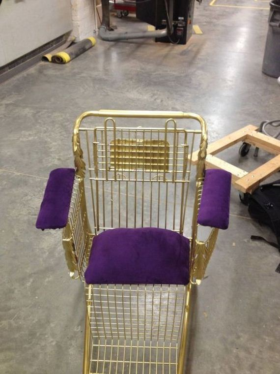 shopping_cart_throne