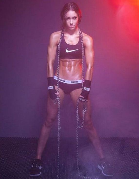 sporty_girls_simply_take_the_cake