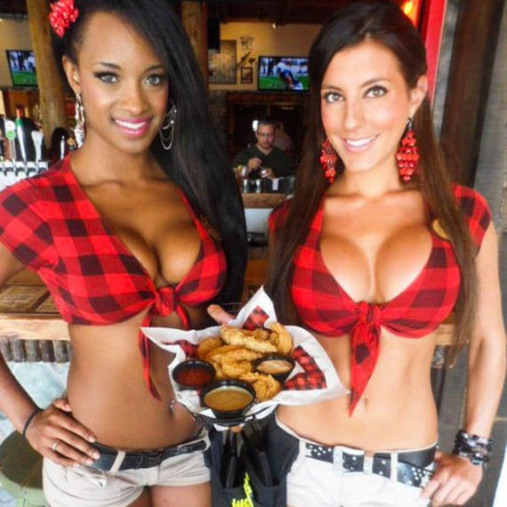 the_busty_waitrons_of_twin_peaks_restaurants