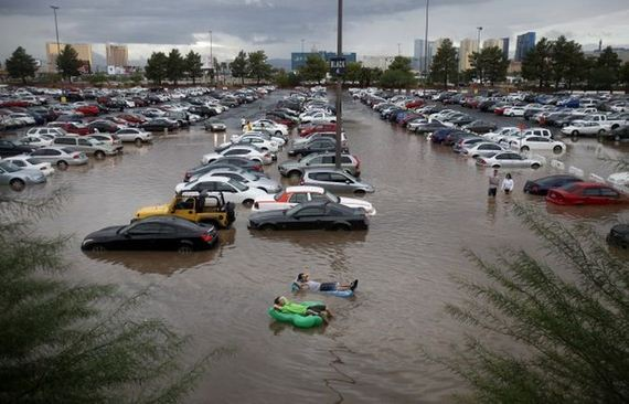 this_is_what_las_vegas_looks_like_when_it_floods