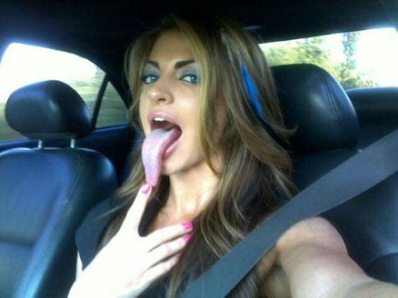 tongue_tracy