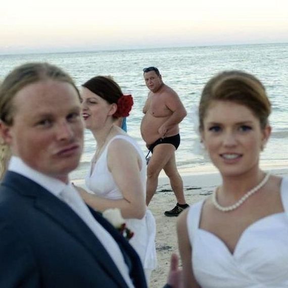 wedding_photobombs_02