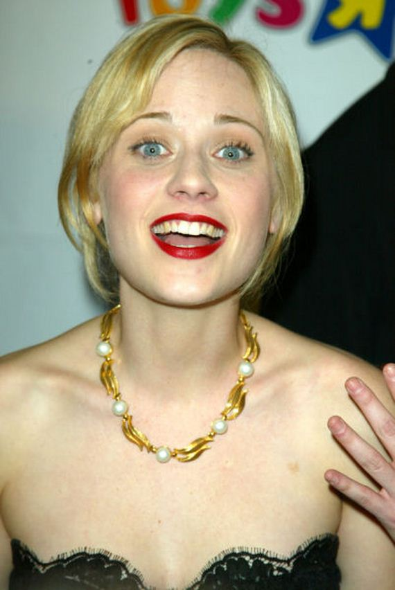 zooey_deschanels_biggest_fashion_fail_going_blonde