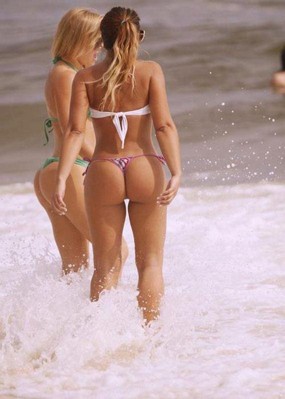 Bikinis-Bikinis-Bikinis