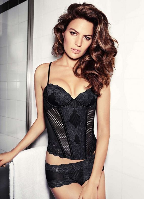 Cameron-Russell -HM-Lingerie