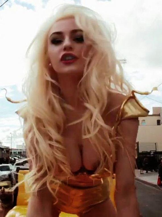 Courtney-Stodden-Nip-Slip