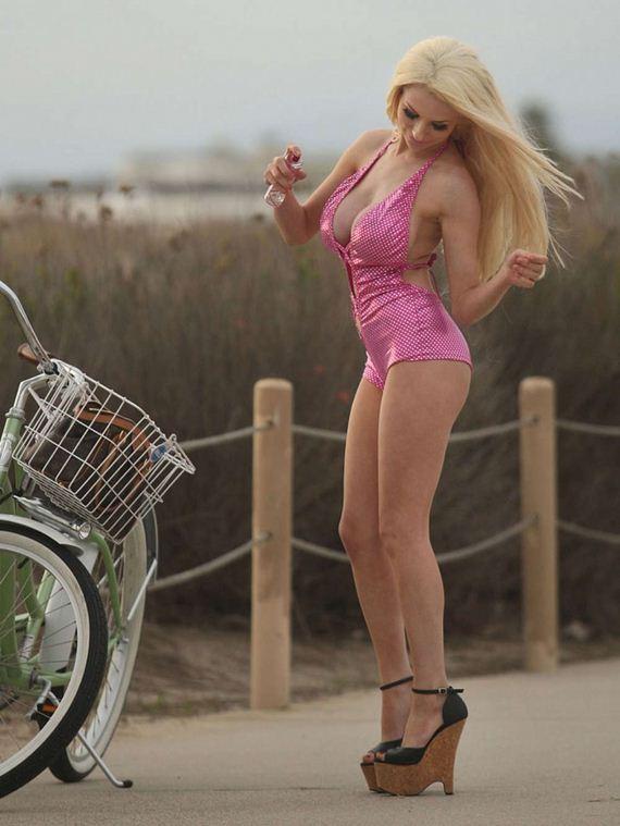Courtney-Stodden-Swimsuit
