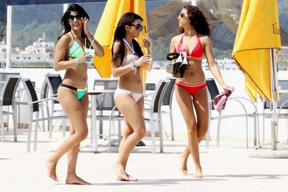 Jasmin-Walia-in-Bikini