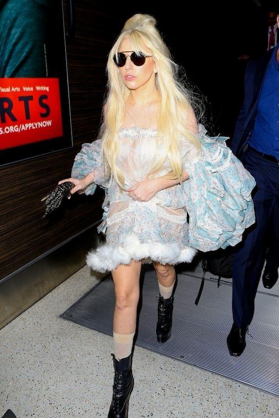 Lady-Gaga-Walked-Around