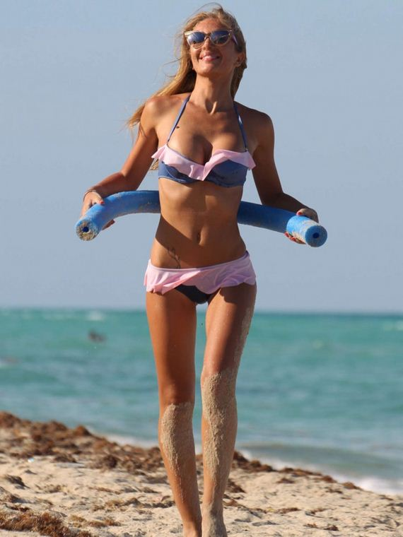 Laura-Cremaschi-In-Bikini