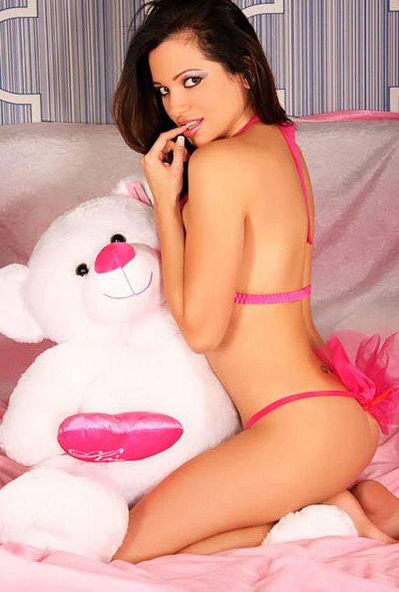 leticia farr nude pics