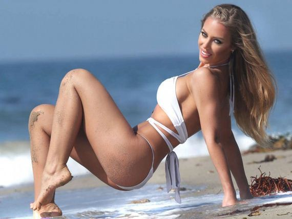 Nicole-Aniston-Bikini-Photos