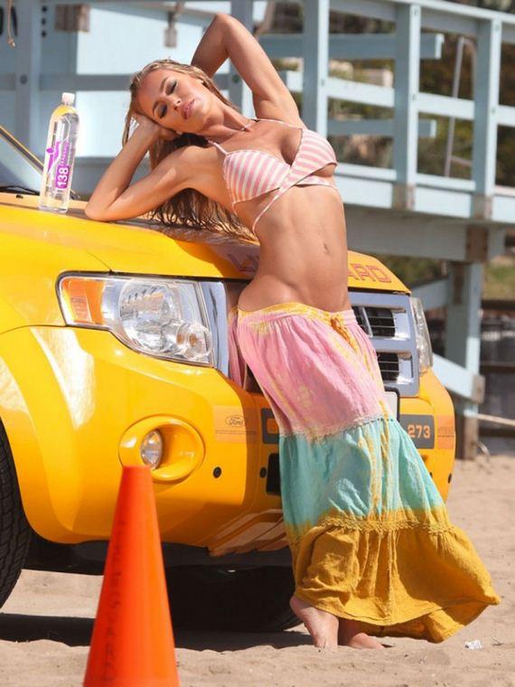 Nicole-Aniston3