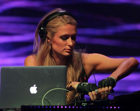 Paris-Hilton---DJ-Set
