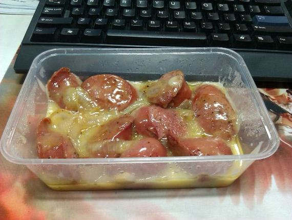 Saddest-Desk-Lunches