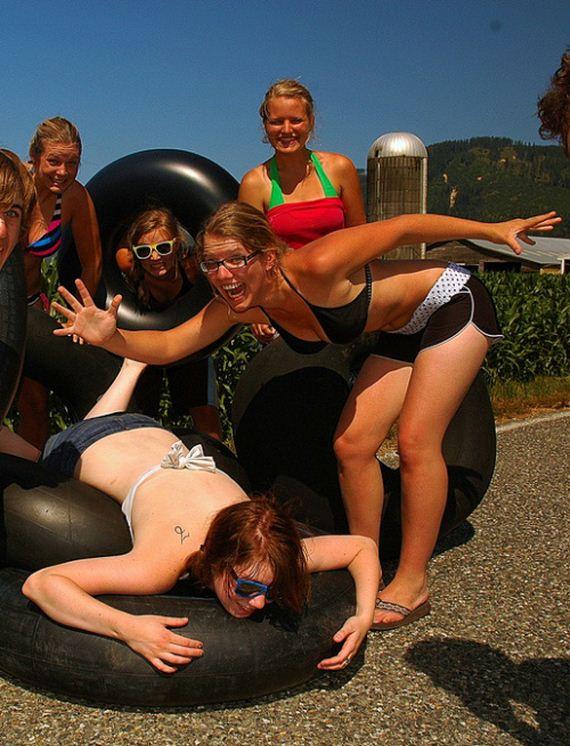 a-under-water-girls