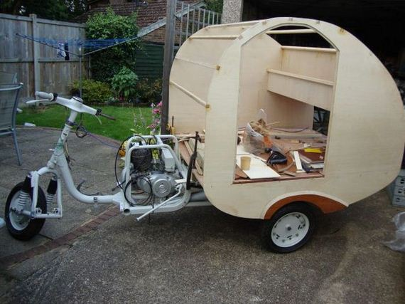 a_soviet_era_scooter_transformed_into_a_nifty_mobile_home