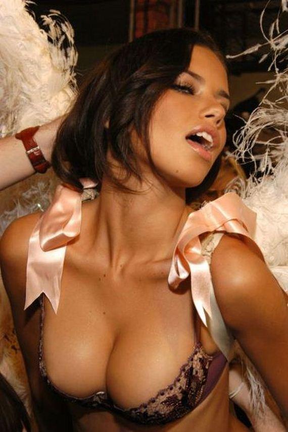 busty_girls_28
