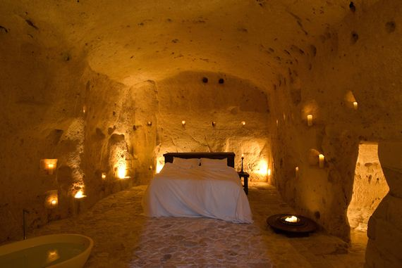 cave-hotel