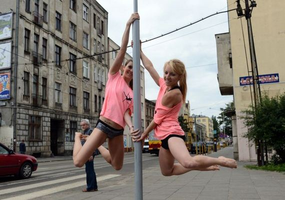 dancing_on_a_pole