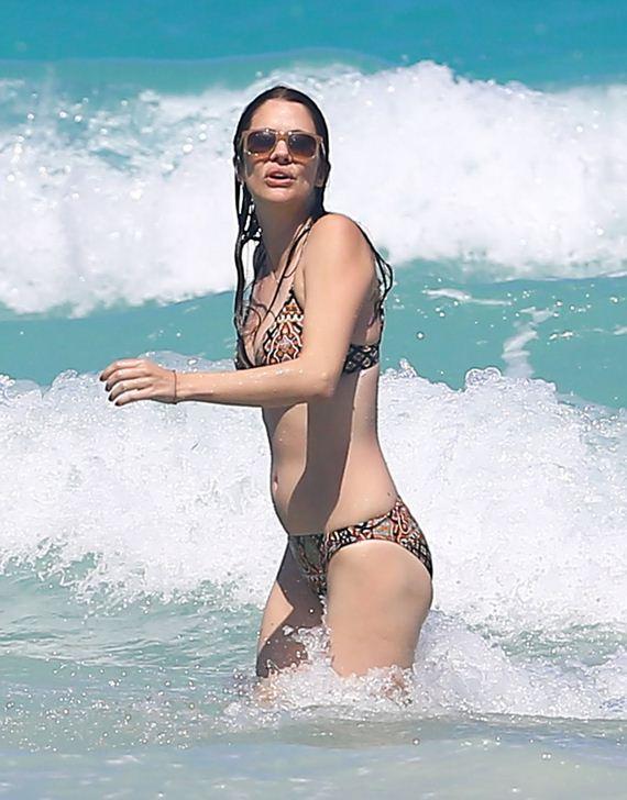 Actress julie gonzalo nude porn