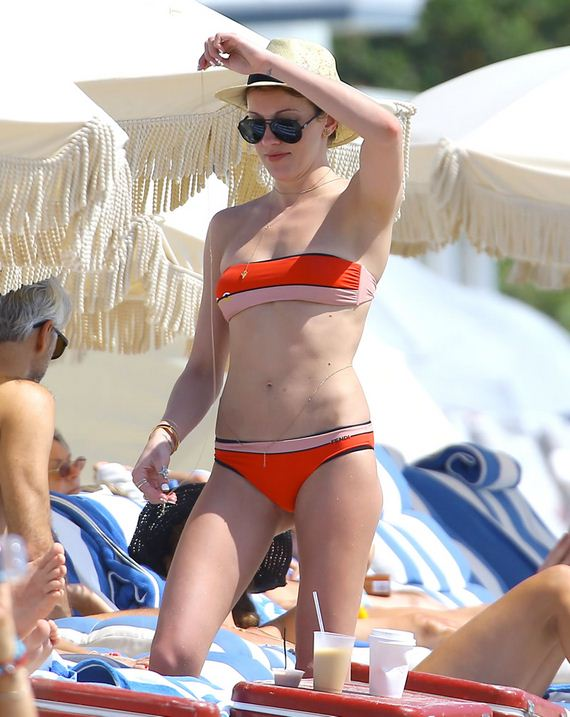 gallery_enlarged-Katie-Cassidy-Skimpy