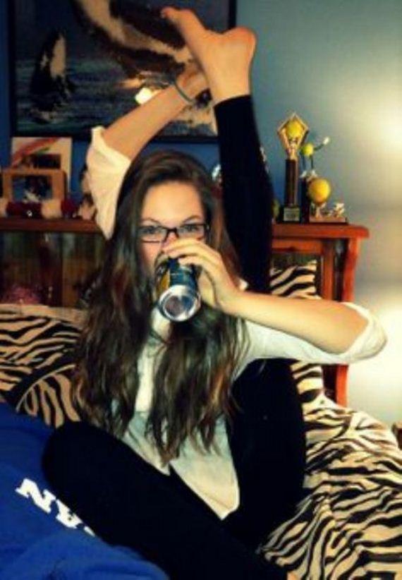 Girls Love Beer - Barnorama Emmy Rossum