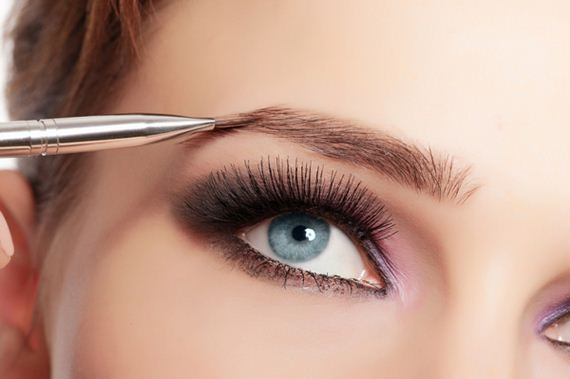 how-to-use-your-eyebrow-brush
