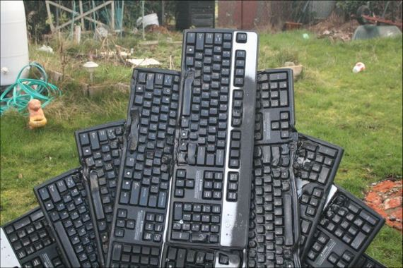 keyboard_throne