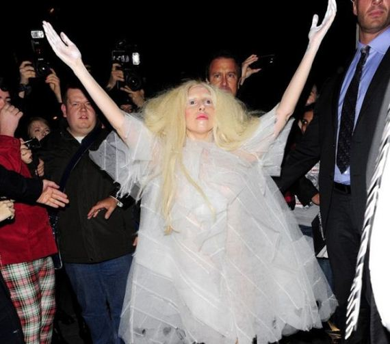 lady_gaga_ghost_dress