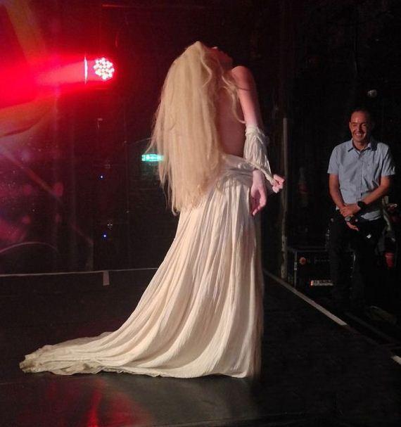 lady_gaga_ghost_dress