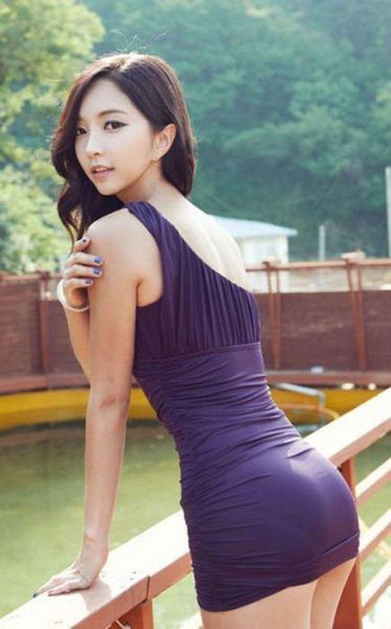 tight Asian dress girl