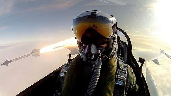 selfie_while_firing_missile