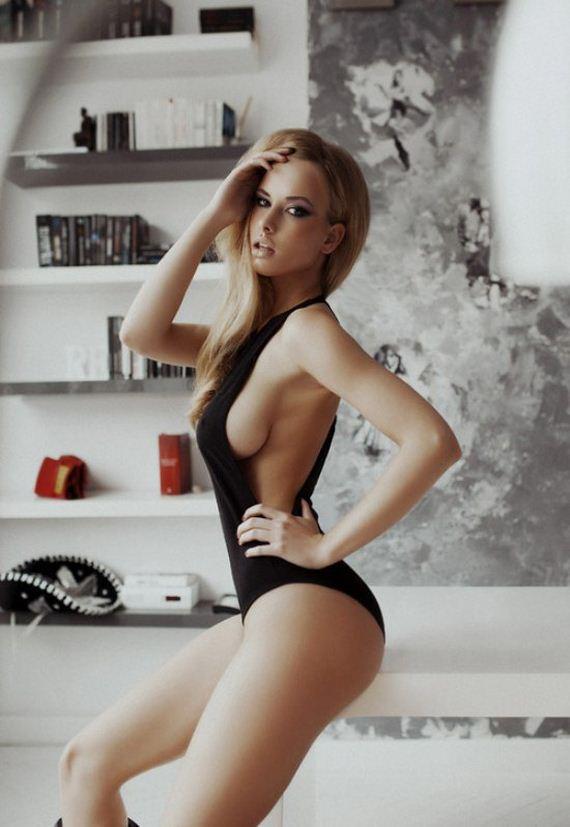 side-boob