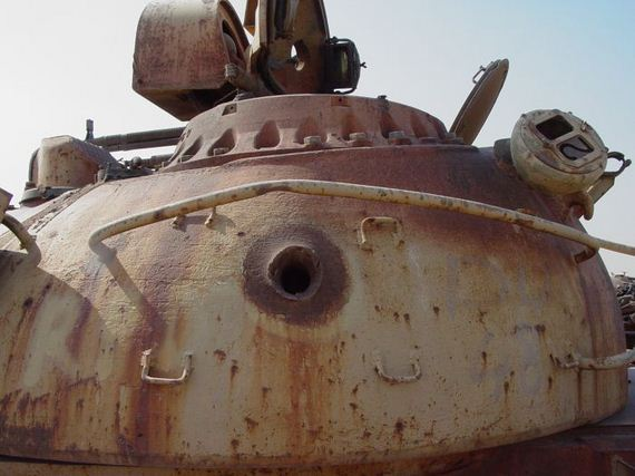 tank_cemetary_kuwait